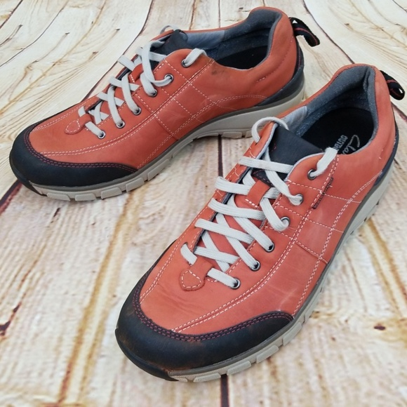 Clarks Shoes | Wave Walker Outdoor Shoe